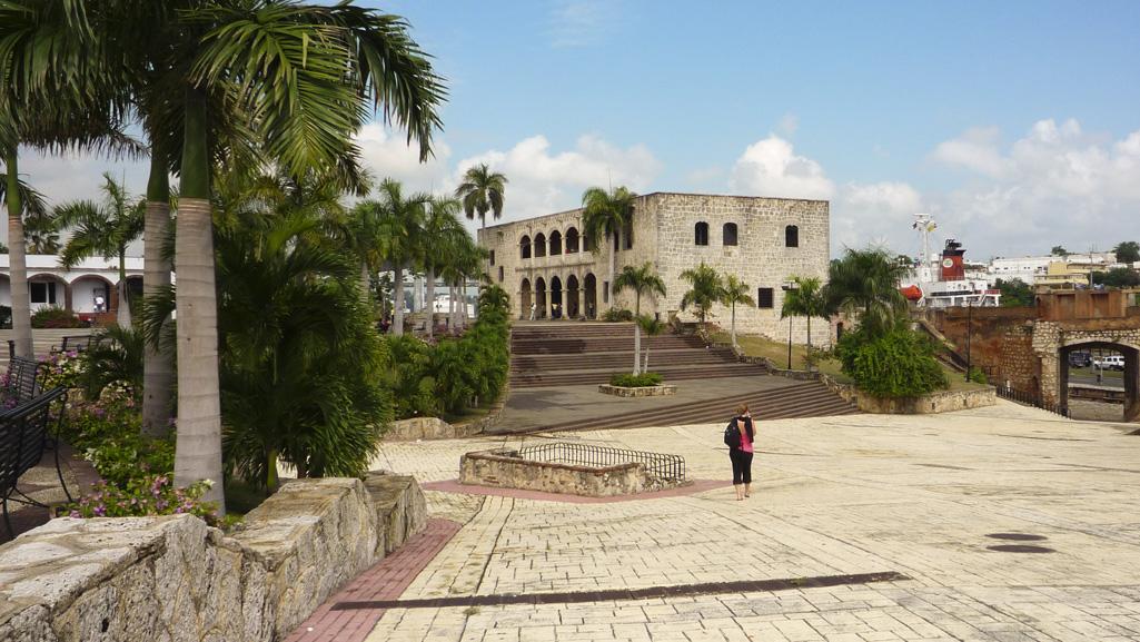 Alcaza de Colon in Santo Domingo - Walking Tour