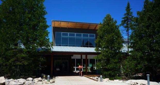 Bruce Peninsula National Park Visitors Centre Tobermory 620x330 - Exploring Tobermory: Visiting Bruce Peninsula National Park