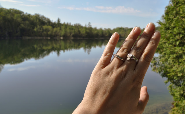 Romantic proposal for an outdoor woman
