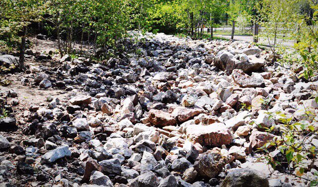 Rockhounding in Bancroft