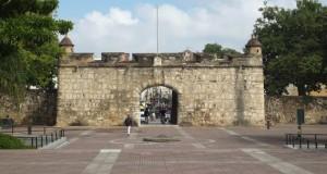 Puerta del Conde in Santo Domingo