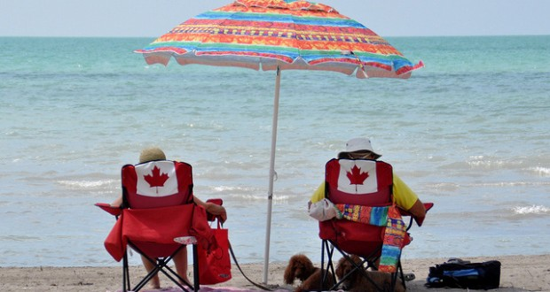 canadians at Port Burwell Beach 620x330 - Relaxing at Port Burwell Beach on Lake Erie